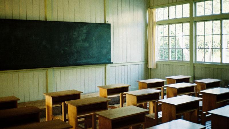 Les écoles hors-contrat attaquées par Jean-Michel Blanquer