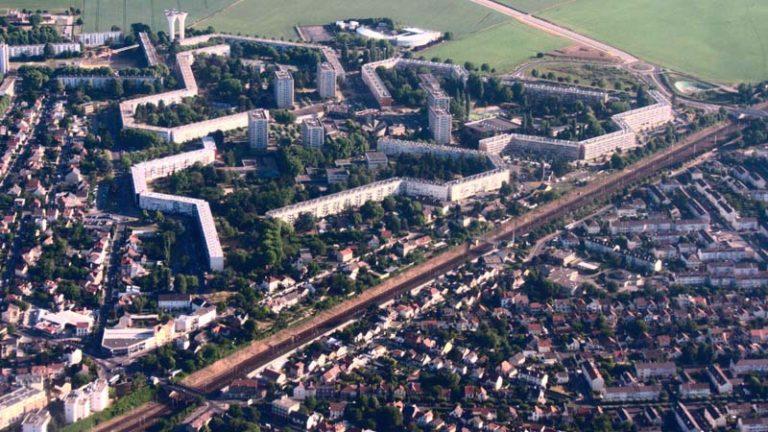 Dépense-t-on trop pour les banlieues?
