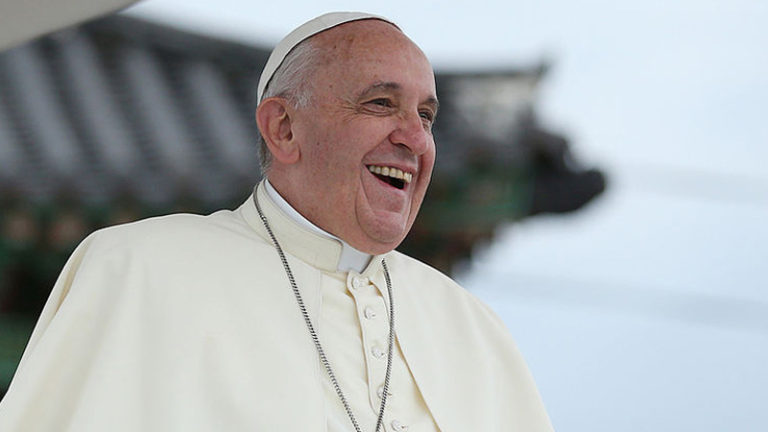 Emmanuel Macron et le pape François ont les mêmes conseillers immigrationnistes