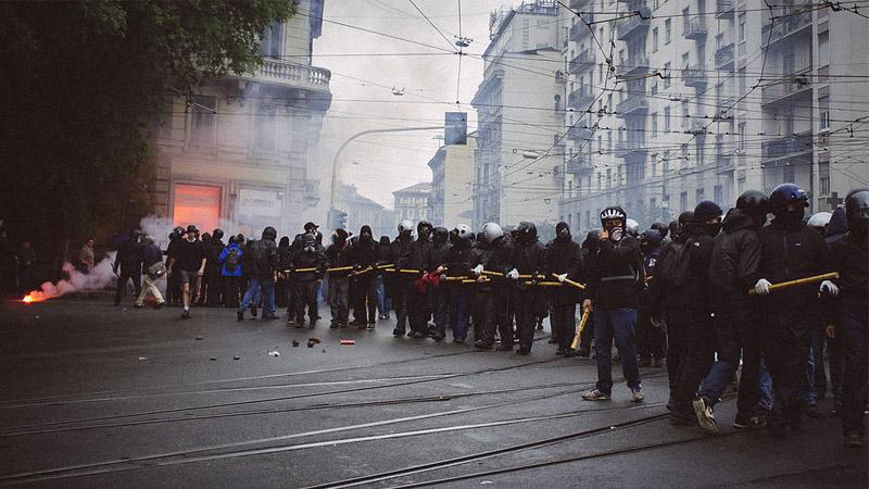 Black Blocs, Antifas, No Borders... L'extrême-gauche violente au service du Système