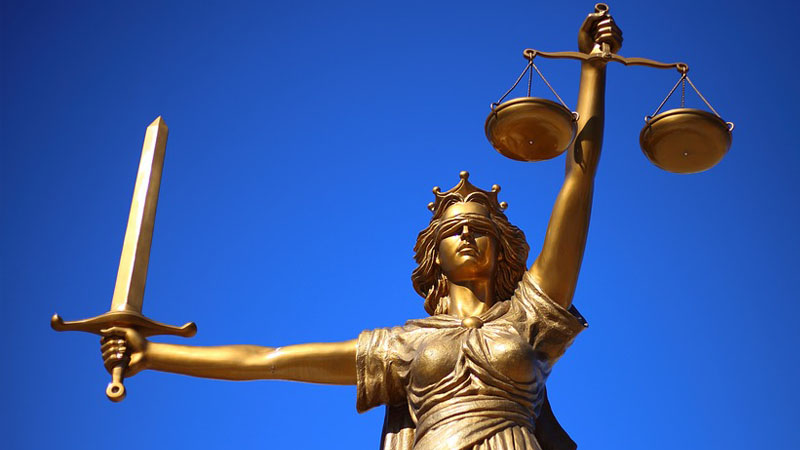Entre Cédric Herrou et les Identitaires, la justice française a tranché