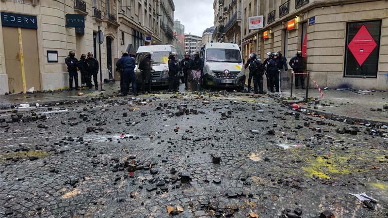 Gilets Jaunes : «Mieux qu'une coupe du monde de foot, des émeutes !»