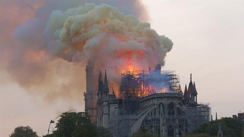 Notre-Dame de Paris, drame providentiel pour Macron?