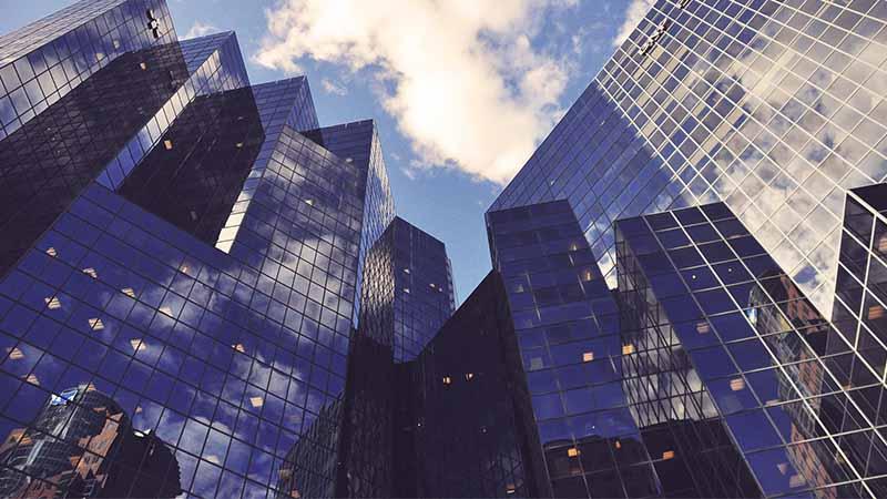 Crise du marché interbancaire, risques d'une crise financière, bilan de l'euro... La revue de presse de Radio Courtoisie
