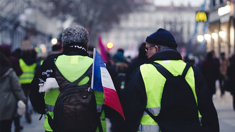 La France confinée contre la France en gilet jaune