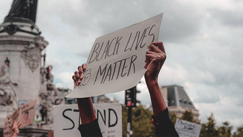 De l'antiracisme à la lutte des races