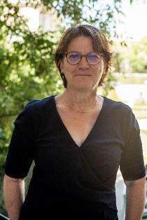 Nadia Essayan