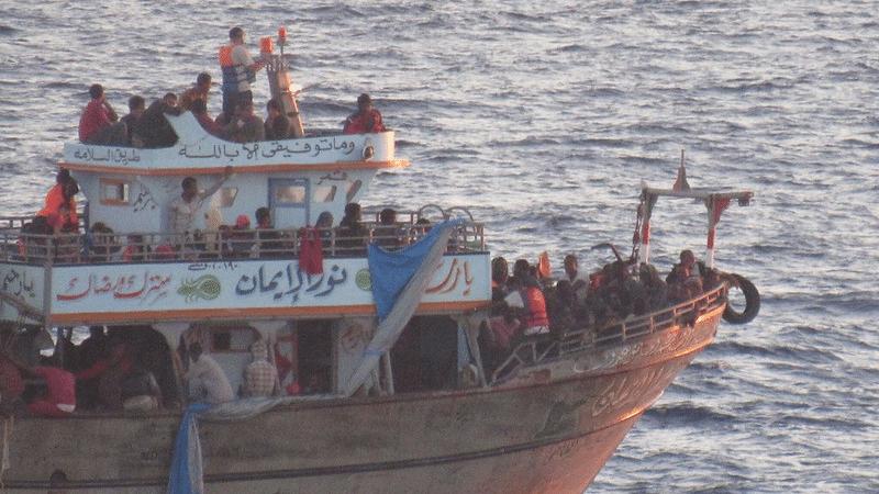 """Pacte européen sur la migration : """"meilleur des mondes"""" ou """"camp des saints"""" ?"""