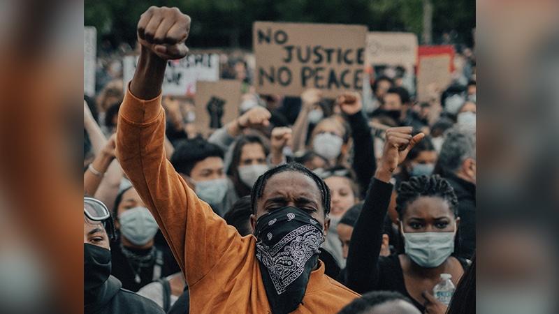Dictature de la minorité : pourquoi les plus intolérants gagnent