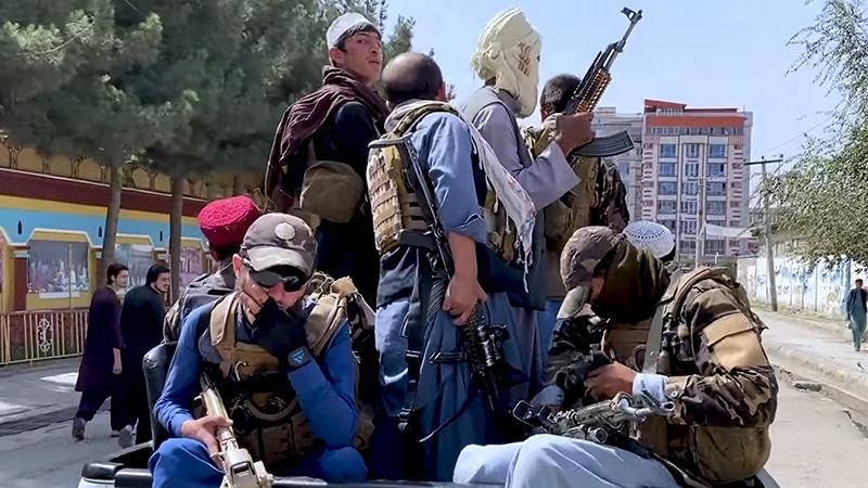 Afghanistan : les médias désespérément à la recherche de talibans modérés