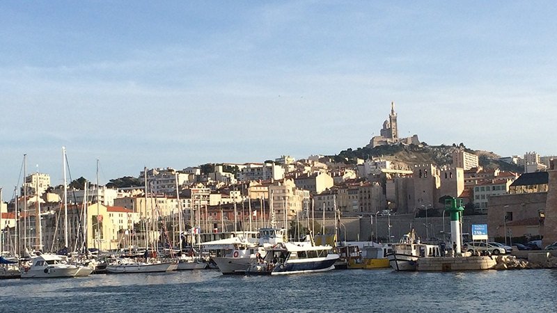 Emmanuel Macron à Marseille : le tribut